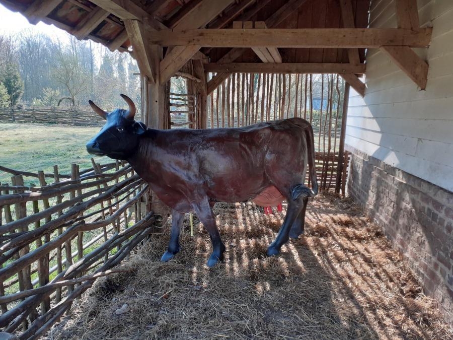 vache en résine Normande
